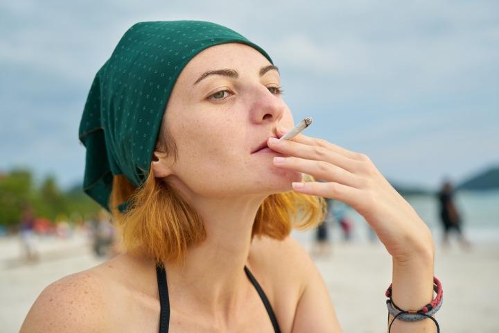 smoking-2076811_1920