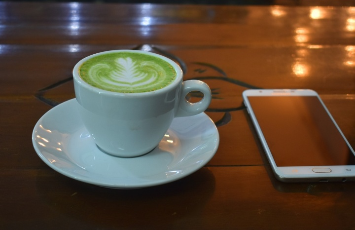 green-tea-latte-2647523_1920